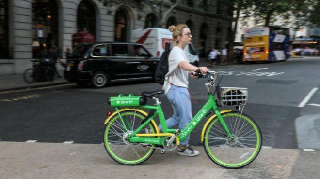 Bicicletas elétricas podem ajudar as pessoas a voltar ao trabalho